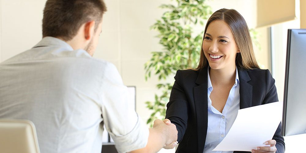 Interview: how to behave with a candidate so that he becomes an employee?